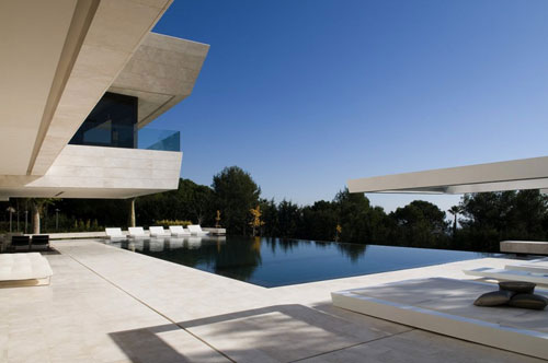 Futuristic and Luxury Architecture - Pool of Marbella House by A-cero