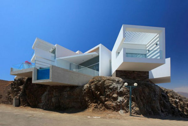 Modern and Luxury White Beach House - Casa Playa Las Lomas by Vertice Arquitectos