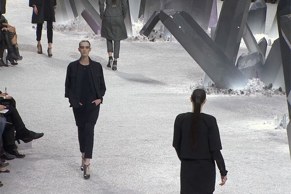 CHANEL Fall-Winter 2012/13 Ready-to-Wear show Trailer