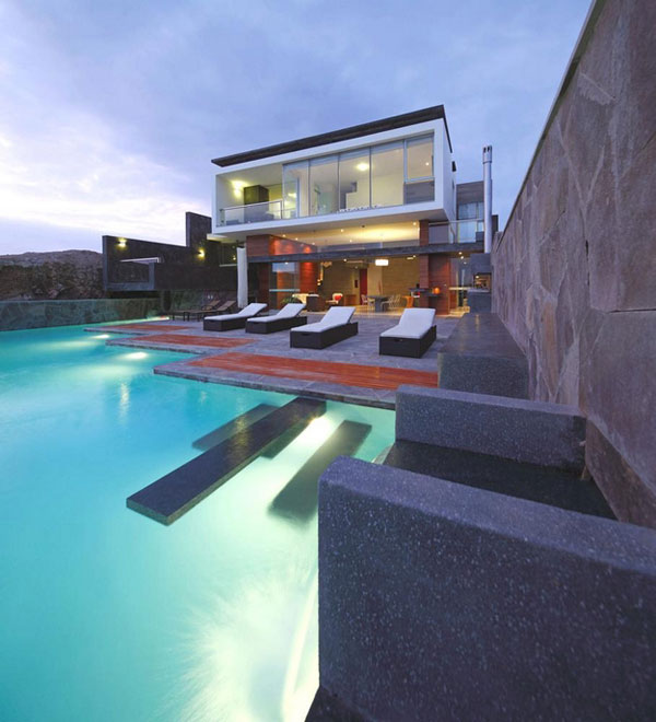 Impressive CN Beach House with Pool by Longhi Architects in Misterio Beach, Peru.