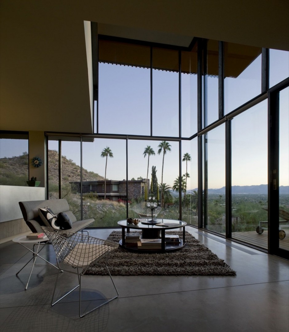 Inside the Jarson Residence in Paradise Valley, Arizona by Will Bruder + Partners - The large windows provide a breathtaking view.