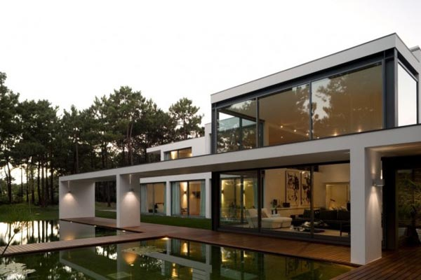 Lake House by Frederico Valsassina Architects
