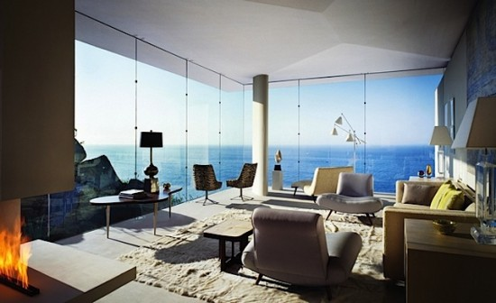 Large glass windows with an amzing view.
