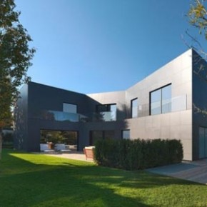 Modern Architecture: Sassuolo House by Enrico Iascone Architects