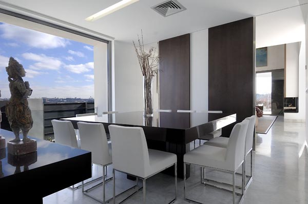 Larg Open Dining Room