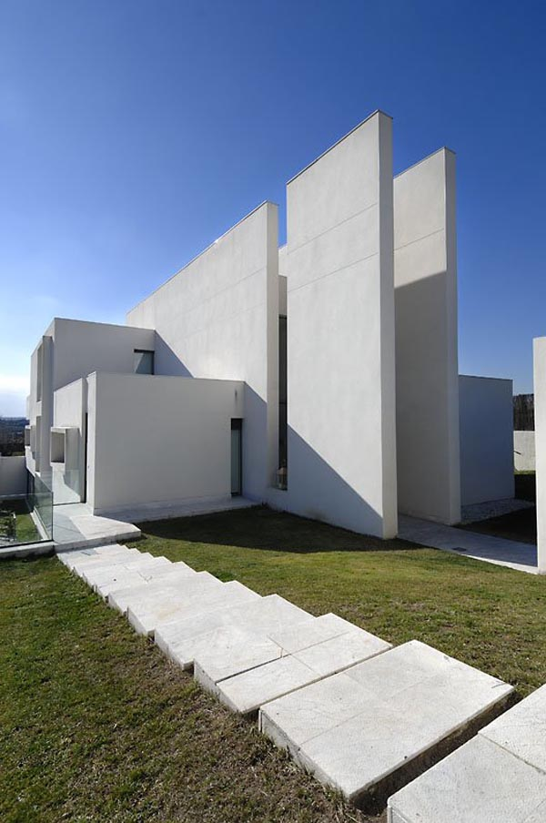 Camarines house in madrid spain by a cero architects for Minimalist house spain