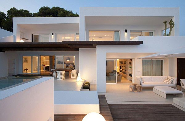 White Luxurious Villa on Ibiza by Juma Architects