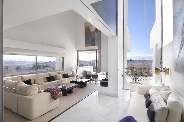 White Open Living Room With a Breathtaking View