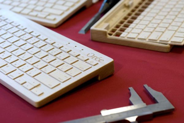 Orée Board - portable wireless keyboard made of wood