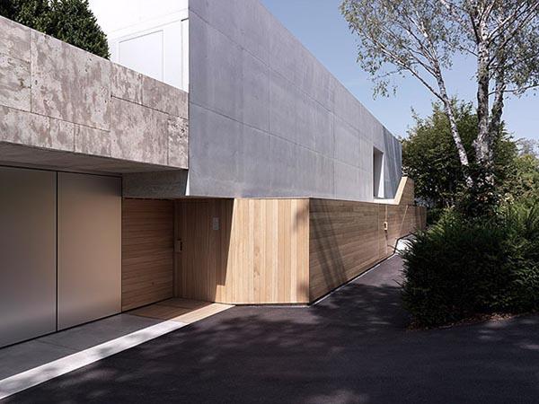 2Verandas House - Outside the Luxury House