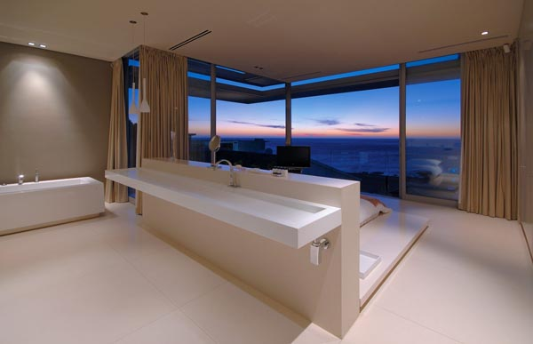 First Crescent - Modern Designed Home by SAOTA
