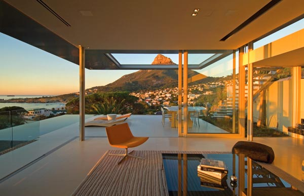 First Crescent Residence by SAOTA - View on Lions Head, Camps Bay, South Africa