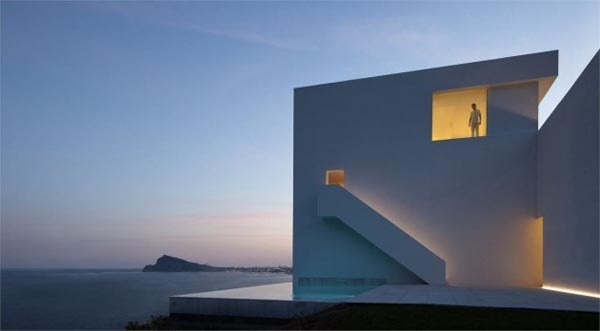 Minimalist Architecture of a Cliff House in Spain by Fran Silvestre Arquitectos