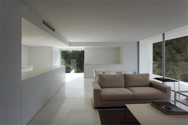 Modern Interior Design inside the Residence in Spain by Fran Silvestre Arquitectos