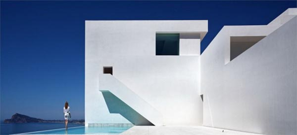 Rectilinear Architecture of a White Luxurious House in Spain