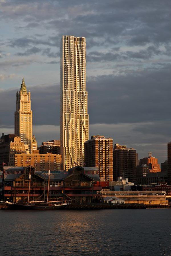 Gehry's Spruce Street Tower - Winner of the Emporis Skyscraper Award 2012
