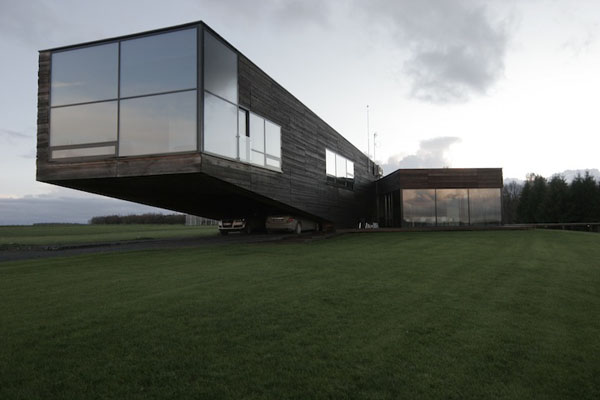 Modern Architecture - The Utriai Residence in Lithuania by Natkevicius & Partners