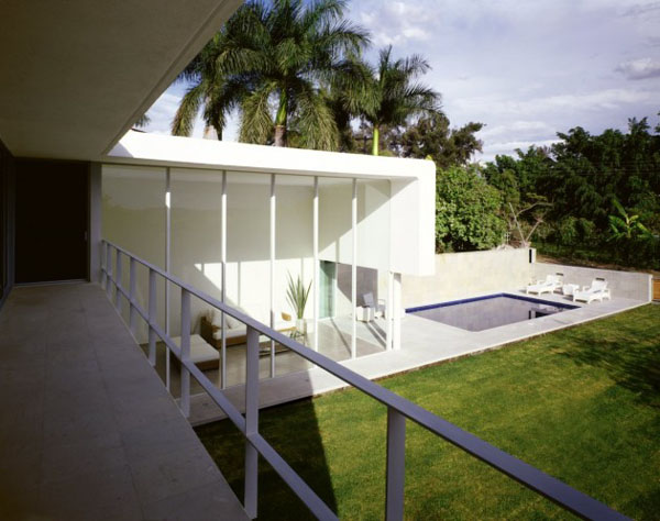 Los Amates House in Morelos, Mexico by Jorge Hernandez de la Garza