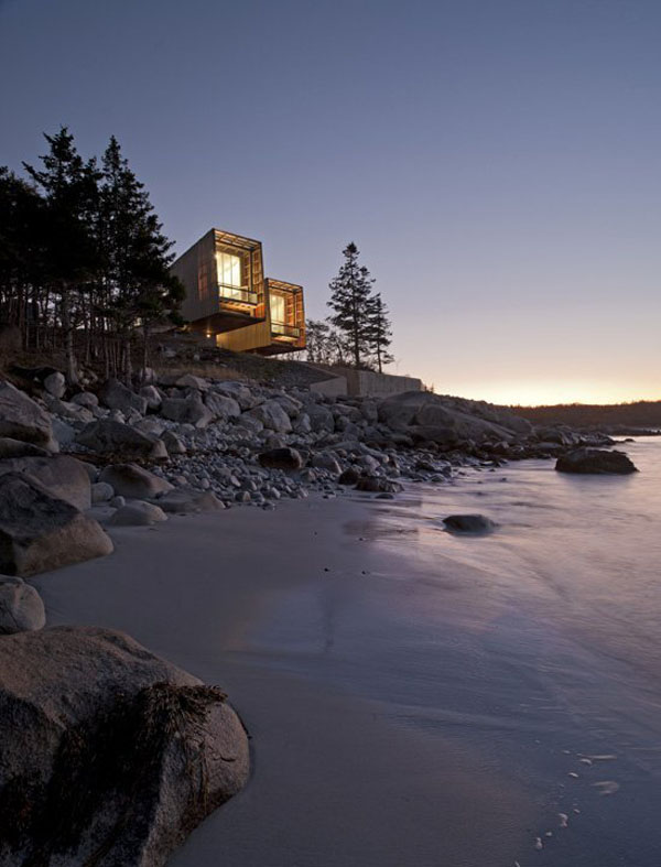 Two hulls house in nova scotia canada by mackay lyons for Houses nova scotia