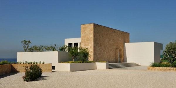 Luxury Beach House in Lebanon by Raëd Abillama Architects