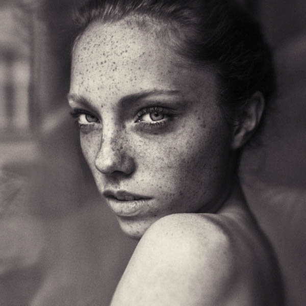 Women Portrait Photography by Hannes Caspar