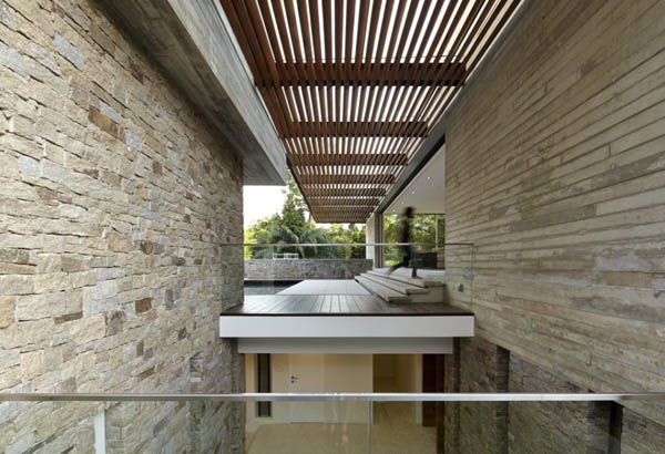 Inside the JKC2 House by ONG&ONG