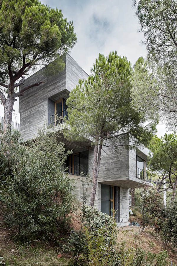 Mediterrani 32 House by Architect Daniel Isern