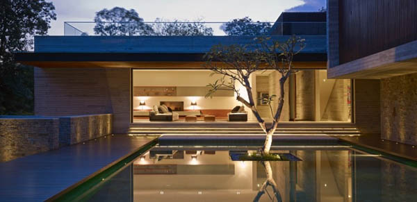 The JKC2 House in Singapore by ONG&ONG