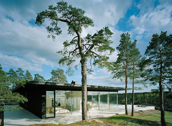 Minimalist Summer House by John Robert Nilsson Arkitektkontor