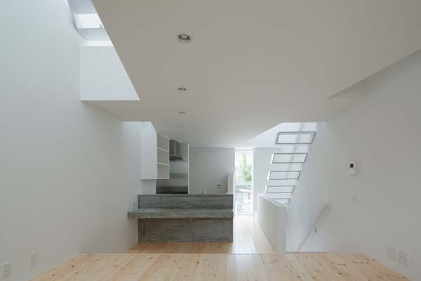 House in Tamatsu - Interior Architecture