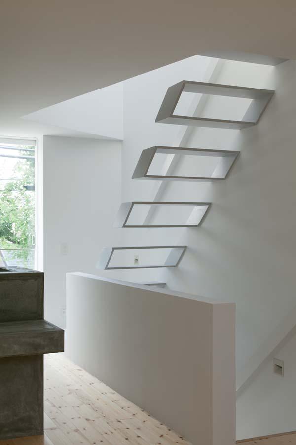 House in Tamatsu - Stairs