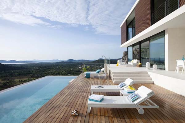 Pool of the Casa 115 in Mallorca, Spain by Architect Miquel Lacomba