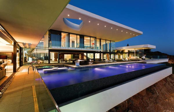 Luxurious Cliff House in Senegal by SAOTA