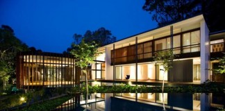 Screen House in Singapore by K2LD Architects