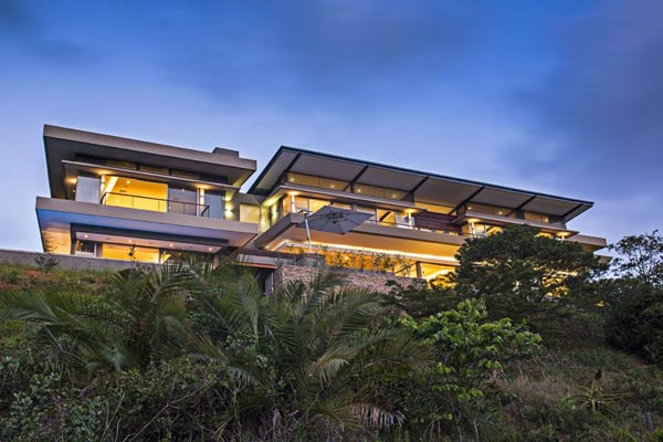 The Albizia House in Simbithi Eco-Estate by Metropole Architects