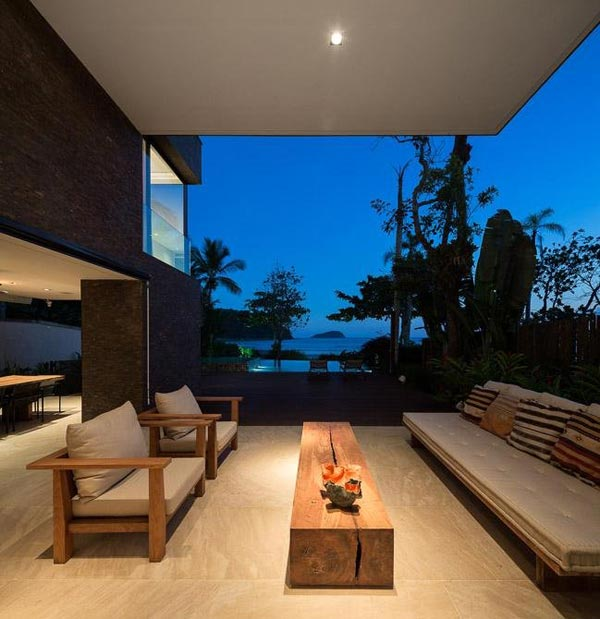 Terrace of the Baleia Condo in São Sebastião, Brazil by Studio Arthur Casas