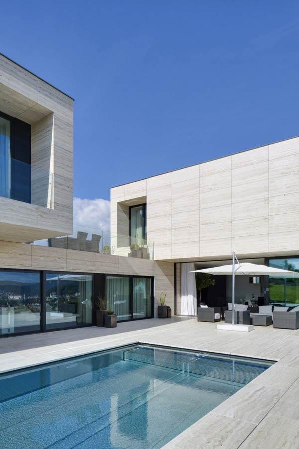 Luxury Villa in Decín, Czech Republic by Studio Pha