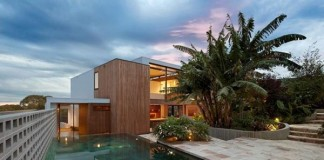 Flipped House in Sydney, Australia by MCK Architects