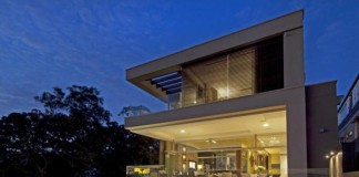 House in Vaucluse, a suburb of Sydney, Australia - designed by Bruce Stafford Architects