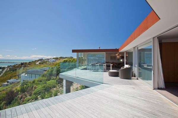 Terrace Redcliffs House in Christchurch, New Zealand by MAP Architects