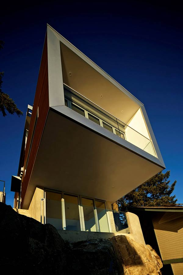 The Cliffhanger Residence in North Vancouver, Canada by Kevin Vallely Design