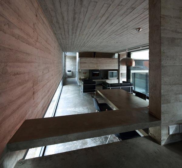 Pedroso House by BAK Arquitectos