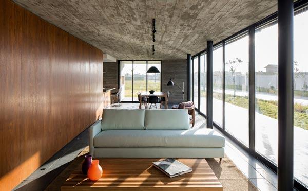 XAN family residence by MAPA Architects