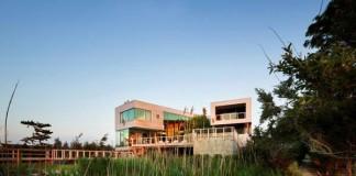 Bay House in Westhampton Beach, New York by Leroy Street Studio