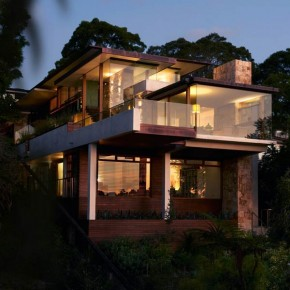 Delany House in Sydney, Australia by Jorge Hrdina Architects