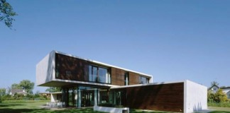 LK House by Dietrich Untertrifaller Architects