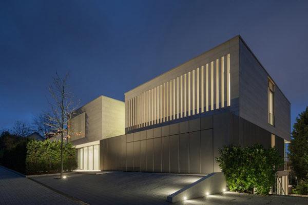 modern family home by architekten wannenmacher m eller gmbh. Black Bedroom Furniture Sets. Home Design Ideas