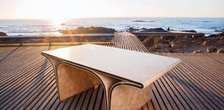 The ONO BRIDGE Table by SUGUI Design