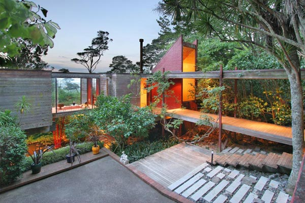 Award Winning Brake House in New Zealand by Ron Sang