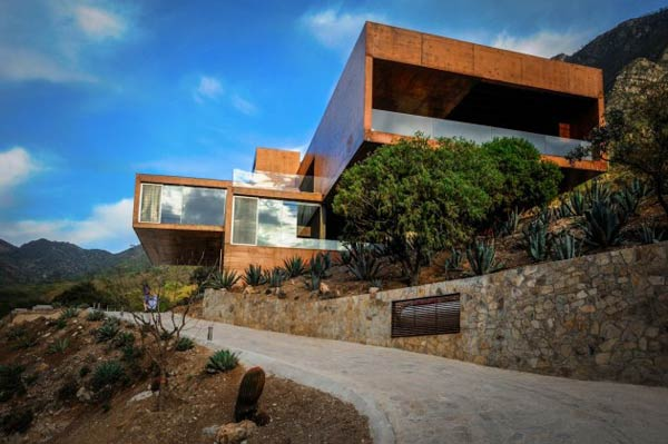 The Narigua House in El Jonuco, Mexico by P+0 Architecture.